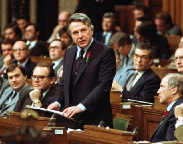 maceachen2.jpg.size.custom.crop.825x650